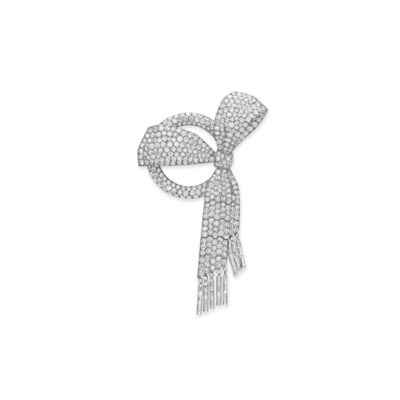 AN ART DECO DIAMOND BOW BROOCH